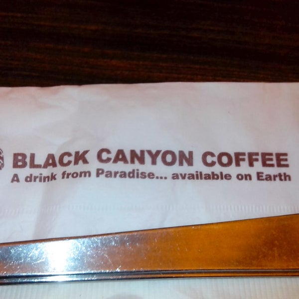 Photo taken at Black Canyon Coffee by VeeVee V. on 4/8/2013