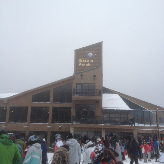 Photo taken at Bretton Woods by Drew S. on 12/28/2012
