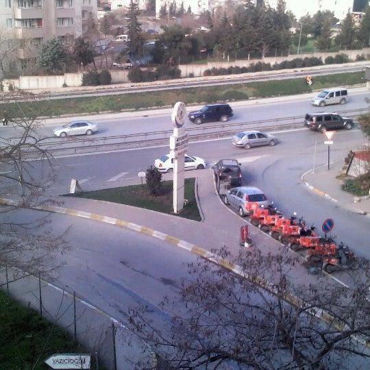 Photo taken at E-5 Göztepe Köprüsü by Orhan B. on 1/24/2013