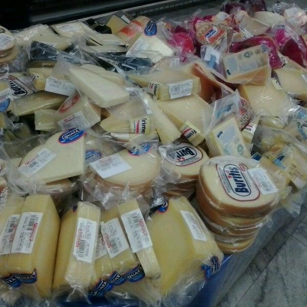 Photo taken at Supermercados Nazaré by Fernando P. on 4/6/2013