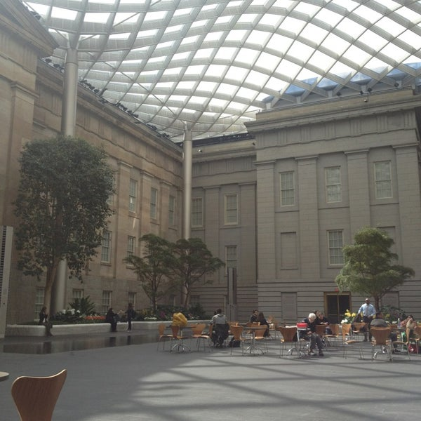 Photo taken at National Portrait Gallery by Ana Paula S. on 3/20/2013