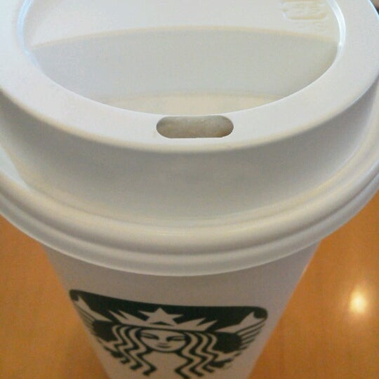 Photo taken at Starbucks Coffee ひたち野うしく店 by m nathalie s. on 2/9/2013