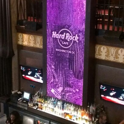 Photo taken at Hard Rock Cafe Washington DC by KG on 1/21/2013
