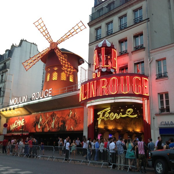 Photo taken at Moulin Rouge by Knopusha on 6/18/2013