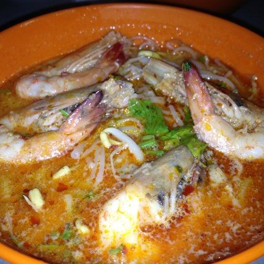 Photo taken at Garden Cafe & Restaurant (花園海鮮小食館) by Mohd B. on 11/3/2012