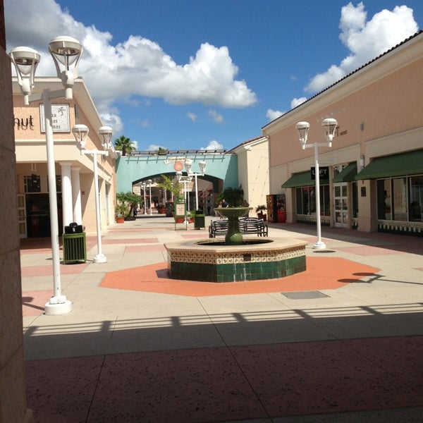 Photo taken at Orlando Premium Outlets - Vineland Ave by Eric K. on 7/10/2013