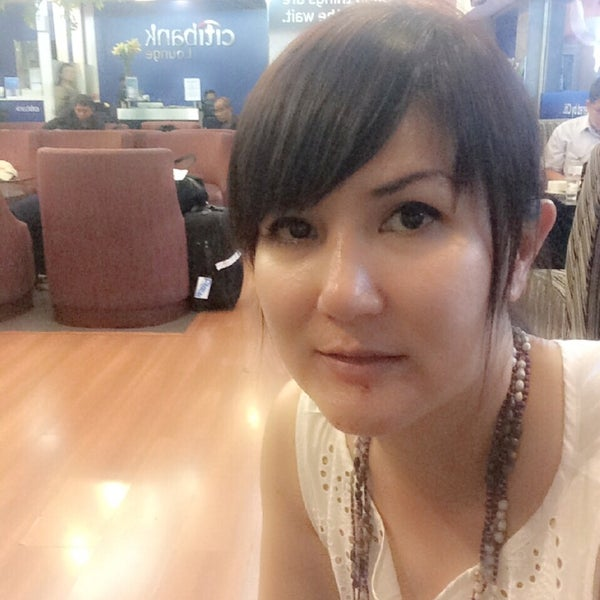 Photo taken at Citibank Lounge by Shirly H. on 8/14/2014