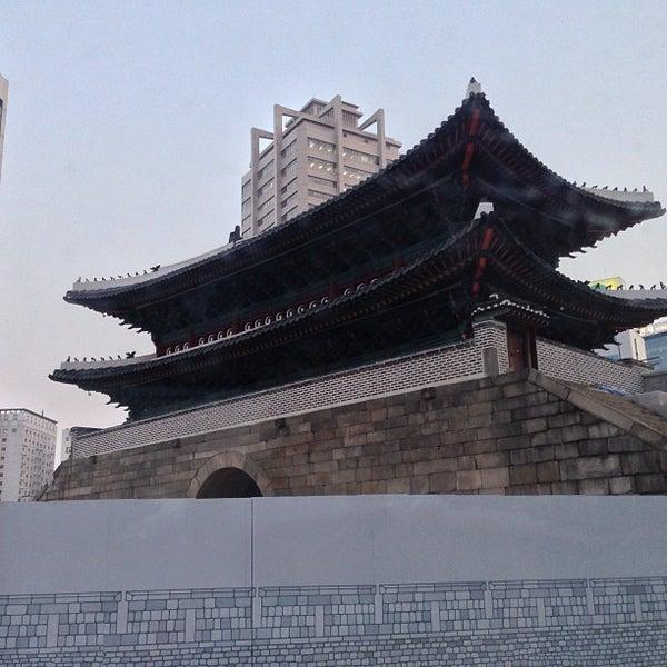 Photo taken at 숭례문 (崇禮門, Sungnyemun) by YoungSu K. on 3/15/2013