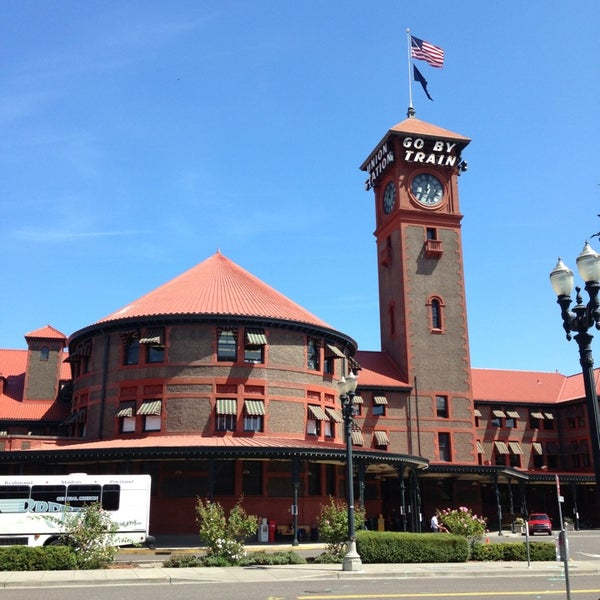 Photo taken at Union Station Amtrak (PDX) by Chris H. on 8/13/2013