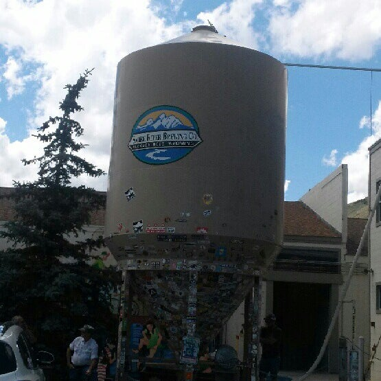 Photo taken at Snake River Brewery & Restaurant by Suz G. on 7/5/2013