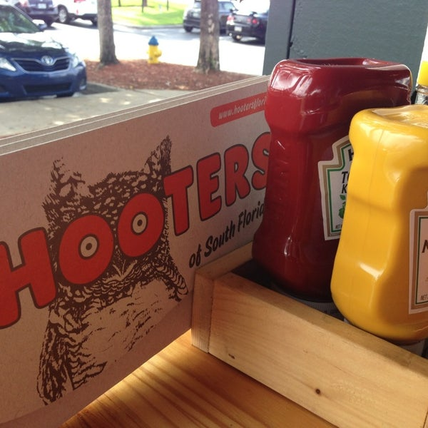Photo taken at Hooters by Cengiz D. on 5/26/2013