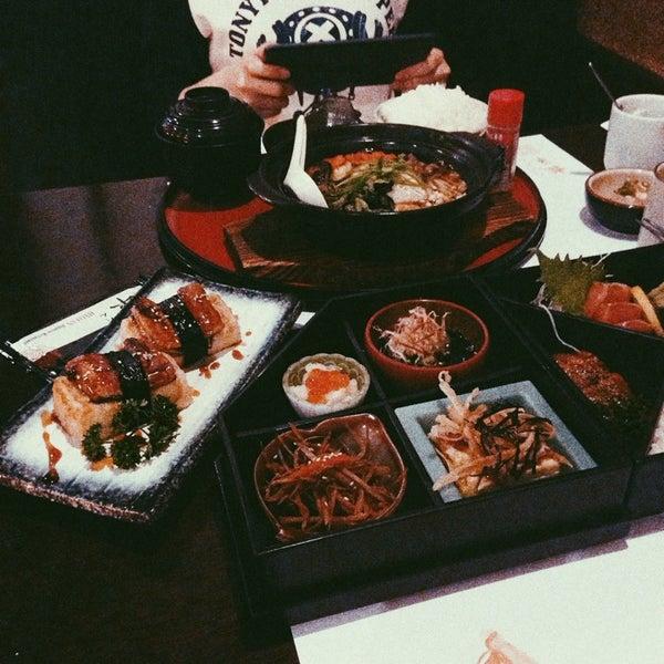 Photo taken at Hyotan Japanese Restaurant by Wen Y. on 4/27/2014