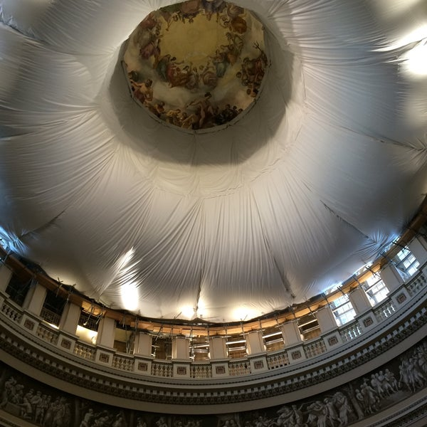Photo taken at Rotunda of the U.S. Capitol by Erik S. on 1/9/2015