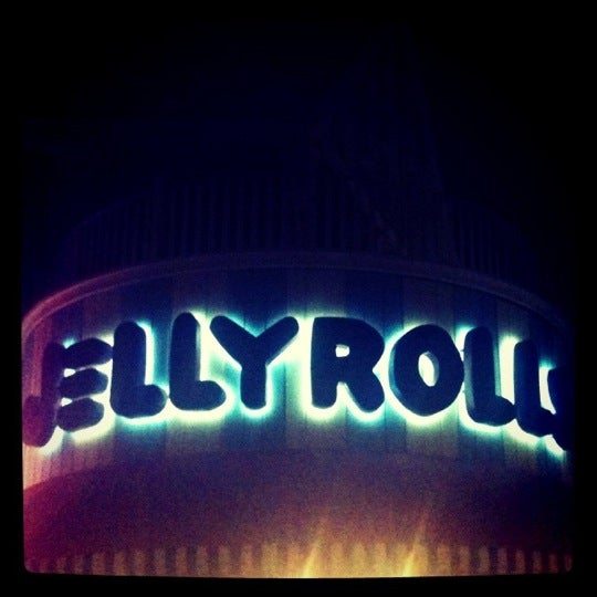 Photo taken at Jellyrolls by Amber L. on 9/26/2011