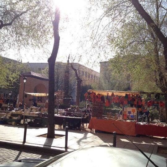 Photo taken at Plaza del Dos de Mayo by Yeyo De Bote on 3/24/2012