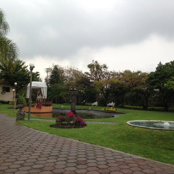 Villa xavier avenida de las fuentes for Jardin villa xavier jiutepec