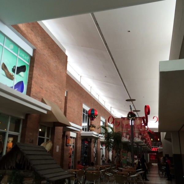 Photo taken at Centro Comercial El Paseo by Mako .. on 12/31/2013