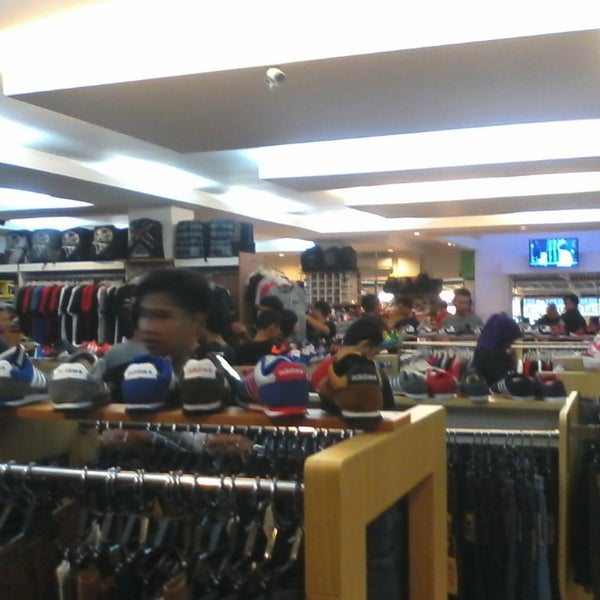 Photo taken at Outlet Biru by Fransiscus D. on 6/7/2014