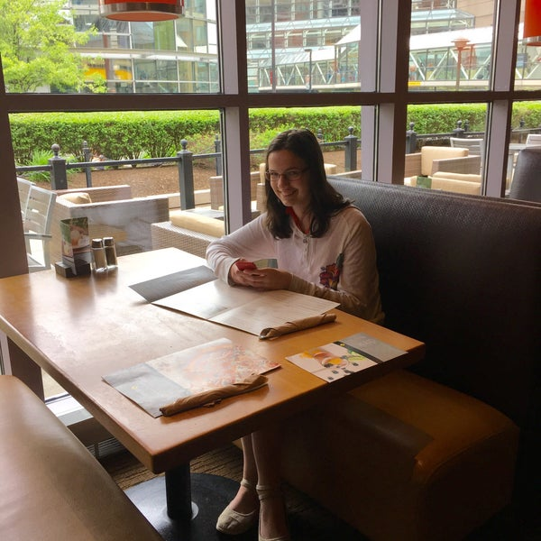 Photo taken at California Pizza Kitchen at Prudential by AlohaKarina 🌺🌈🏄🏻🍹 on 5/21/2016
