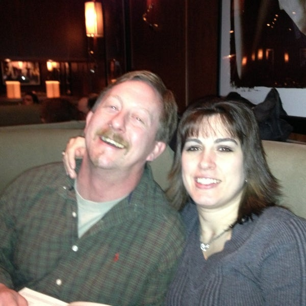 Photo taken at Bar Louie Mohegan Sun by Shay T. on 12/30/2012