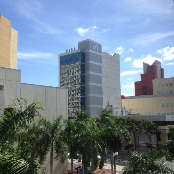 Photo taken at Miami Dade College Wolfson Campus by Yuniel D. on 4/27/2013