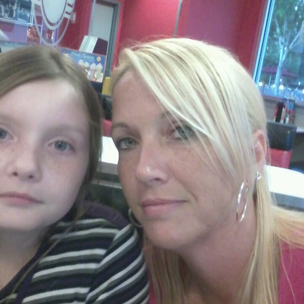 Photo taken at Steak 'n Shake by Kathi H. on 5/16/2013