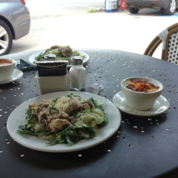 Photo taken at La Madeleine Country French Café by Kourtney K. on 8/27/2013