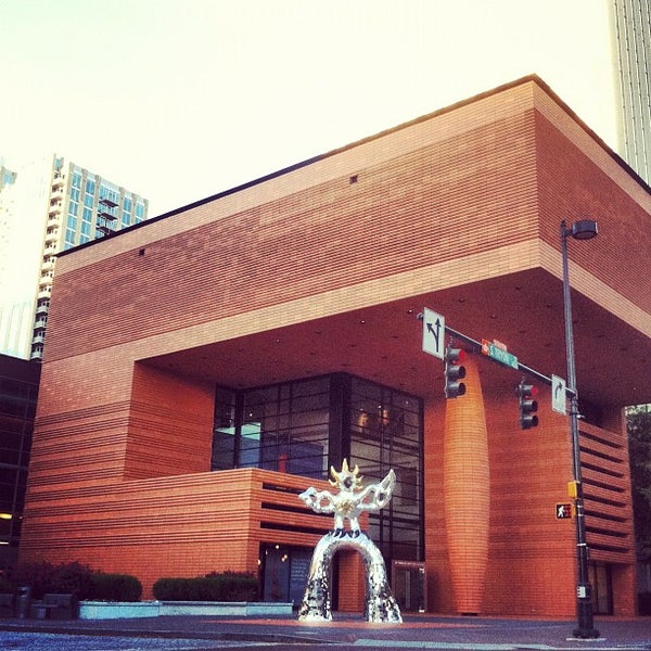 Photo taken at Bechtler Museum of Modern Art by in the Queen City on 10/25/2012