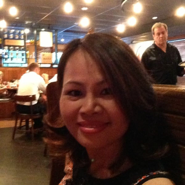 Photo taken at Outback Steakhouse by Panthip J. on 9/3/2013