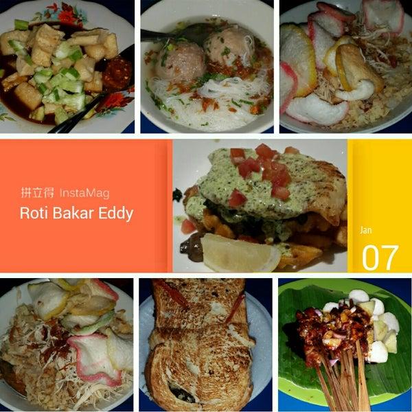 Photo taken at Roti Bakar Eddy by kiki r. on 1/20/2015