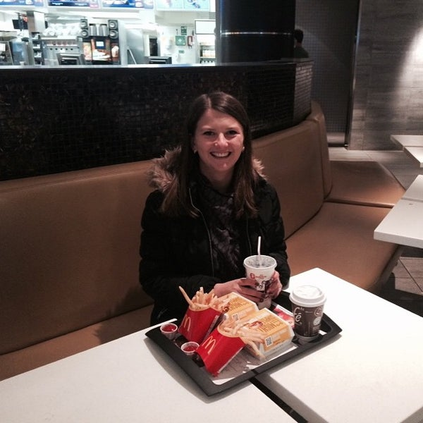 Photo taken at McDonald's by Mariya T. on 5/1/2015
