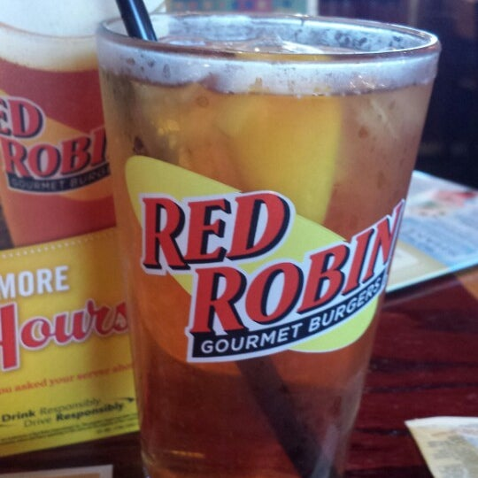 Photo taken at Red Robin Gourmet Burgers by Susan B. on 6/6/2013