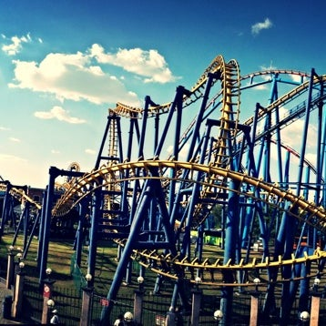 Photo taken at Six Flags by Bërnard ॐ. on 6/2/2013