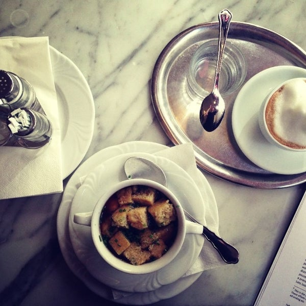 Photo taken at Cafe-Restaurant Griensteidl by Antonina on 7/20/2013