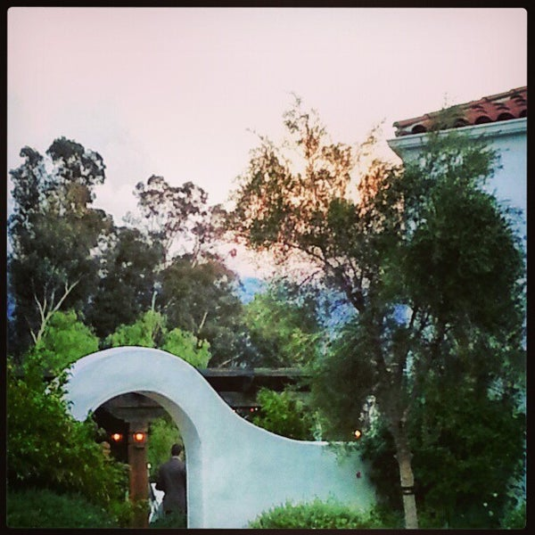 Photo taken at Ojai Valley Inn & Spa by Jordan E. on 12/30/2012