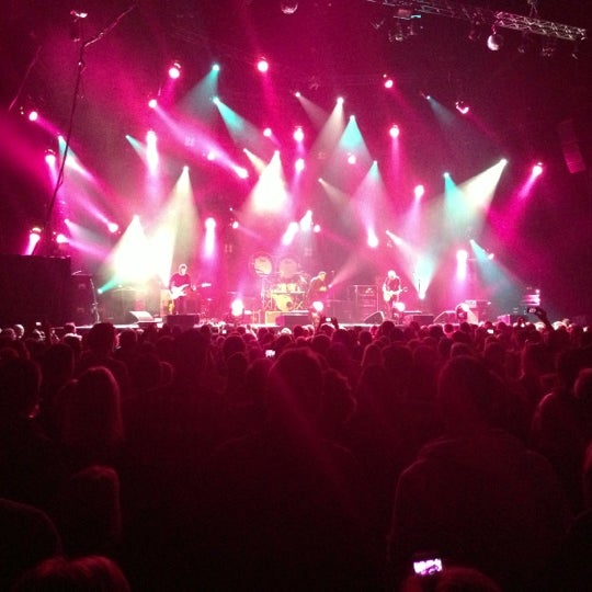 Photo taken at Heineken Music Hall by Bas H. on 12/7/2012