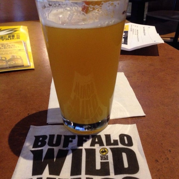 Photo taken at Buffalo Wild Wings by Greg B. on 3/23/2015
