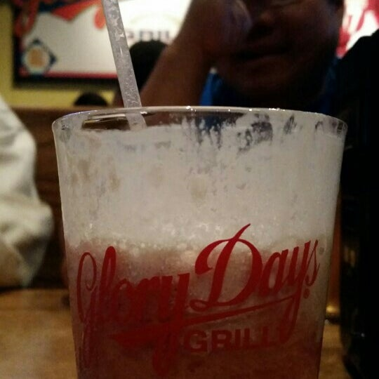 Photo taken at Glory Days Grill by Carilu T. on 5/20/2015