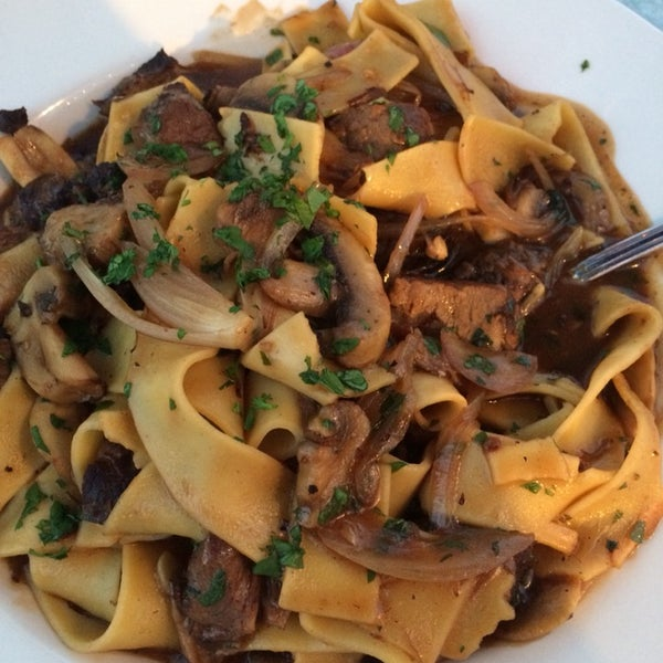 I enjoyed the short rib pappardelle (pic) and my two friends got stuffed haddock which was also really delicious.