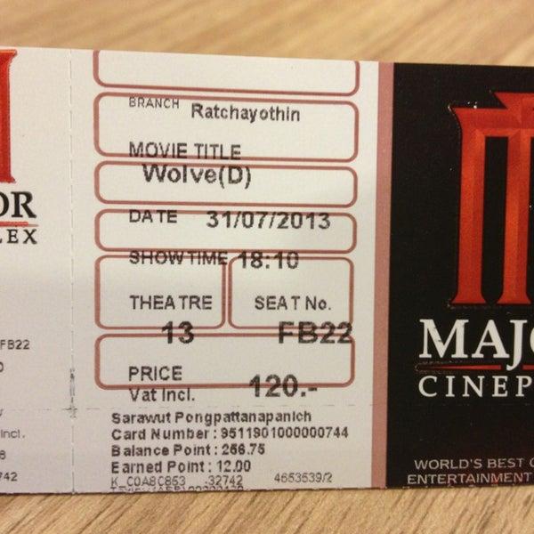 Photo taken at Major Cineplex Ratchayothin (เมเจอร์ ซีนีเพล็กซ์ รัชโยธิน) by  Dragon . on 7/31/2013