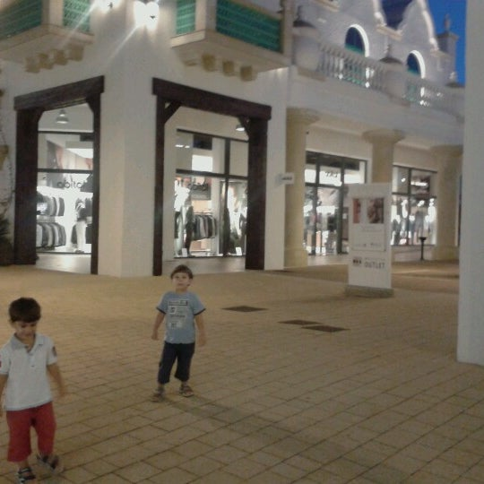 Photo taken at Fashion District - Molfetta Outlet by Diego D. on 8/29/2013