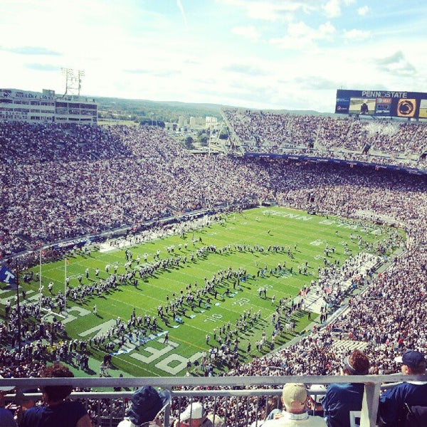 Photo taken at Beaver Stadium by Scott I. on 9/15/2012