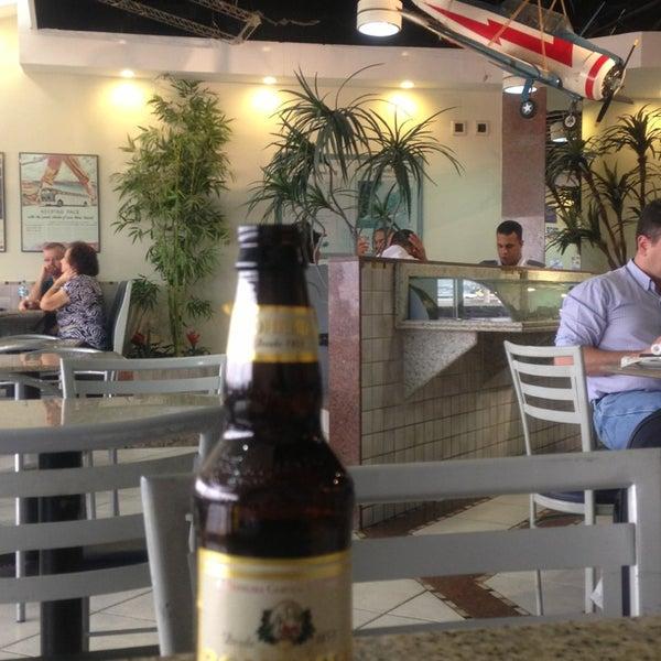 Photo taken at Air Café Palheta by Caio H. on 5/30/2013