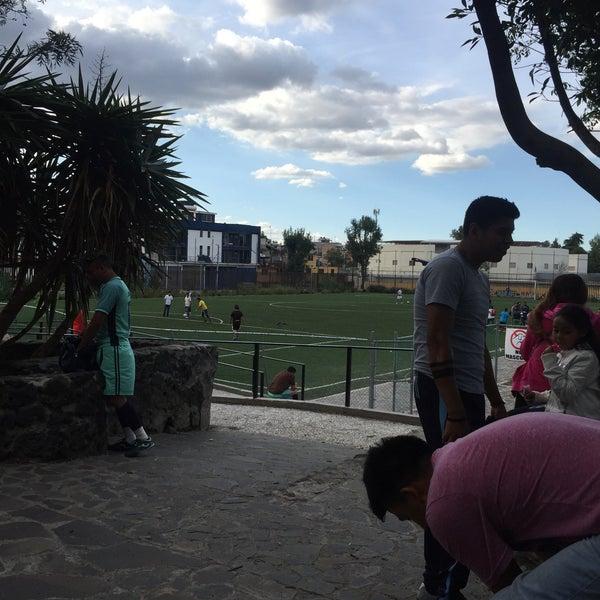 Photo taken at Parque Ecologico Huayamilpas by Luis Gönzalez on 8/4/2016