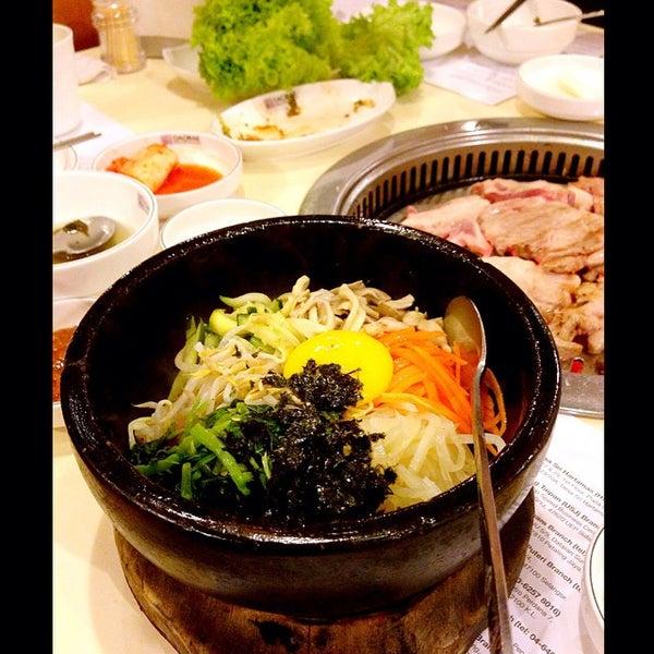 Photo taken at Daorae Korean BBQ Restaurant by Weisheng L. on 4/19/2015