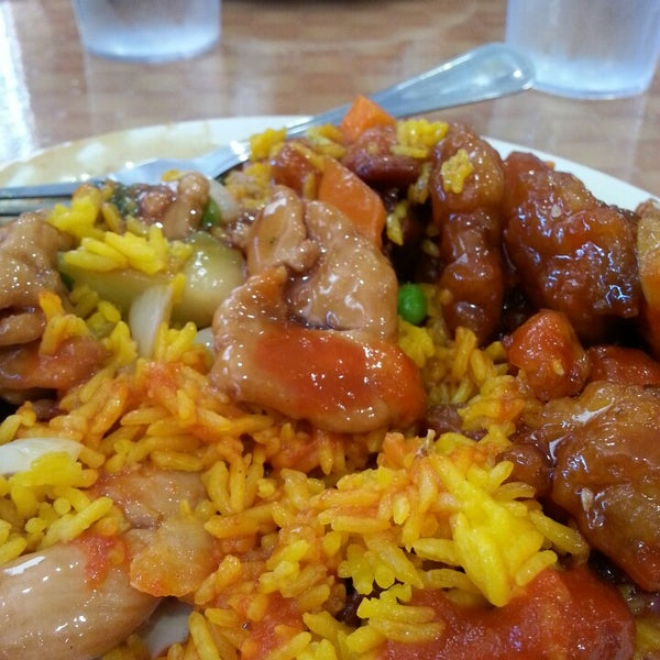 Photo taken at Hibachi Grill & Supreme Buffet by Anthony K. on 6/27/2013