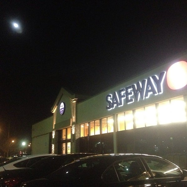 Photo taken at Safeway by tokoro s. on 11/22/2013
