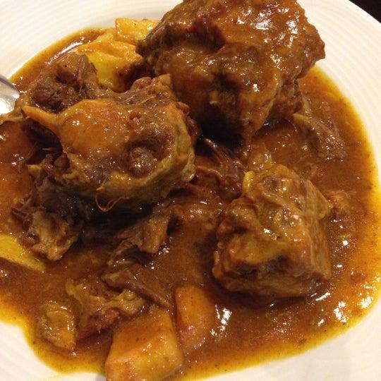 Photo taken at Restaurante El Caballo Rojo by Sergio R. on 11/24/2012