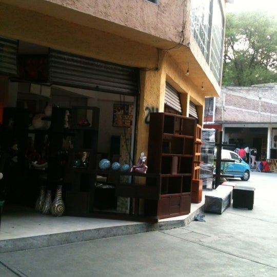 Mercado de muebles crea coyac n distrito federal for Comedores modernos mexico df