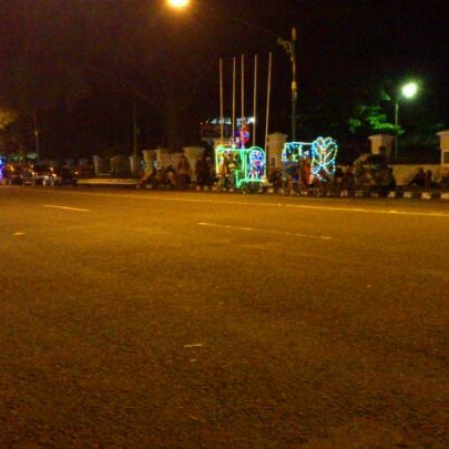 Photo taken at Alun - Alun Sragen by Andang S. on 5/12/2012